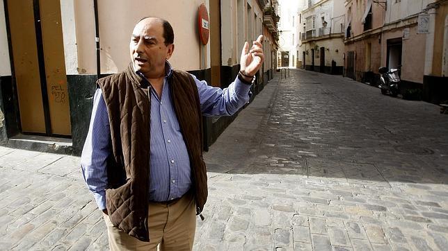 Julio Molina Font presenta el miércoles en la APC 'Crónica negra en el Cádiz de la posguerra'