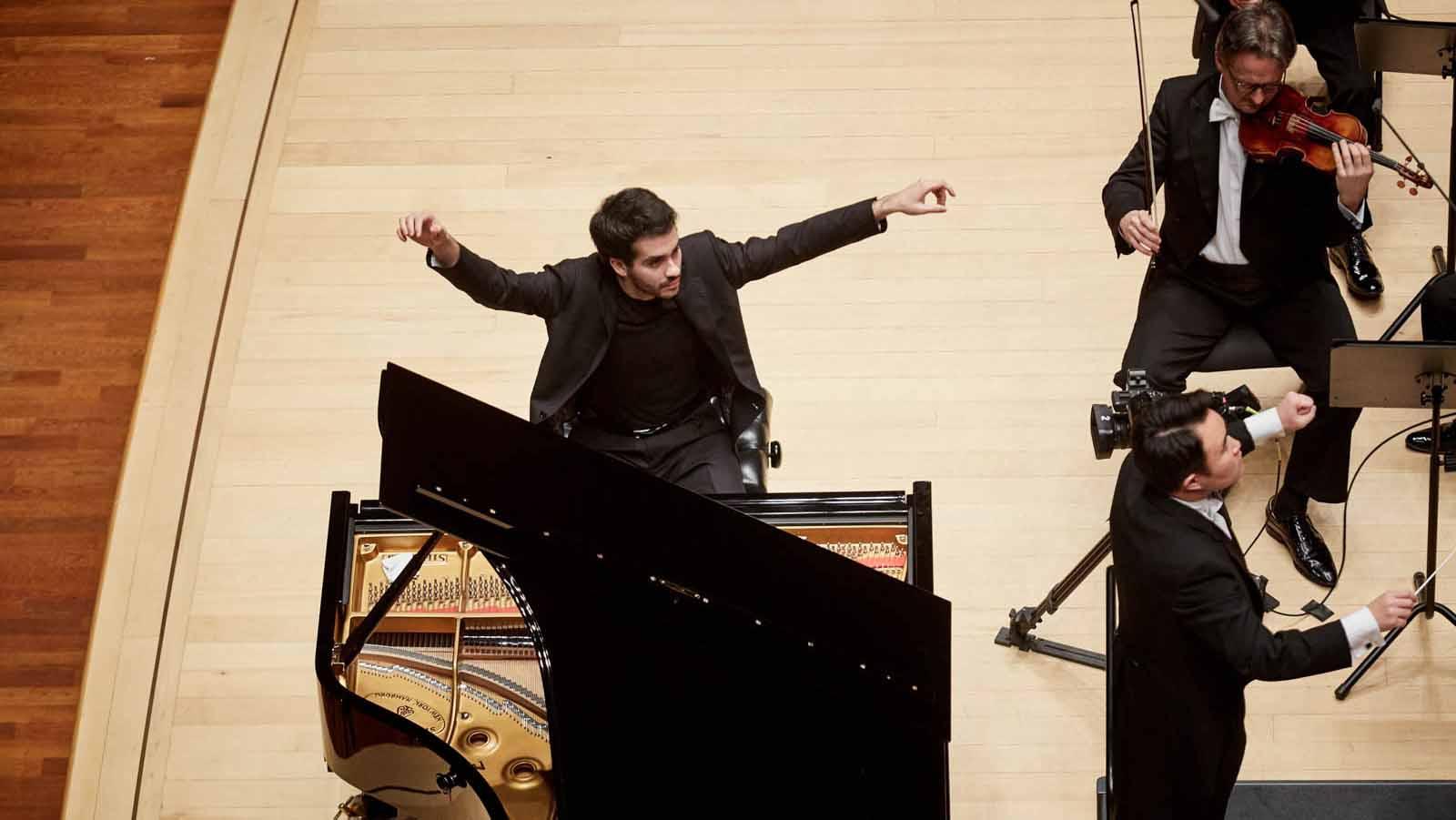 El pianista llega a Utrera para que los aficionados viajen al pasado con su música