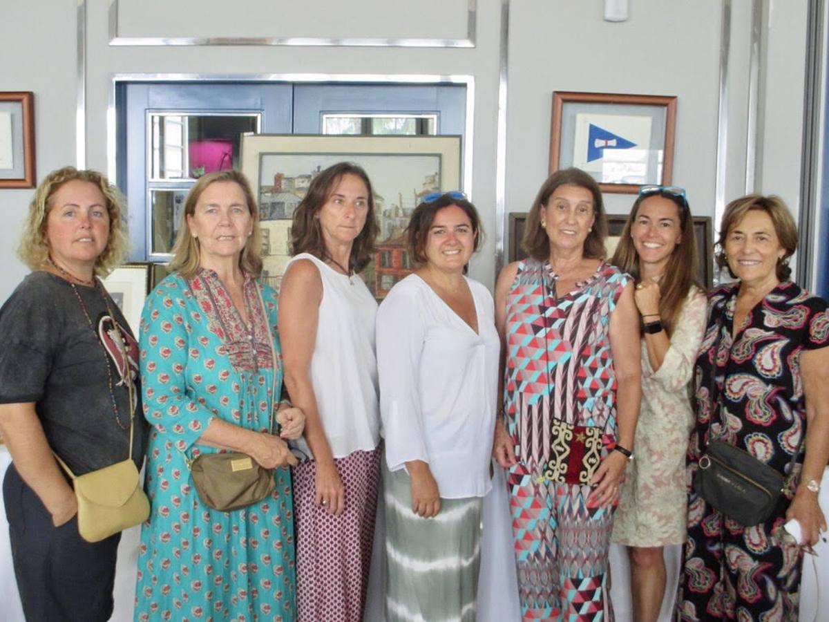 Julia Perles, Silvia Ybarra, Graciela Cólogan, Patricia Ogara, Margarita Martínez, Maribel Vergara y Josefina Robina