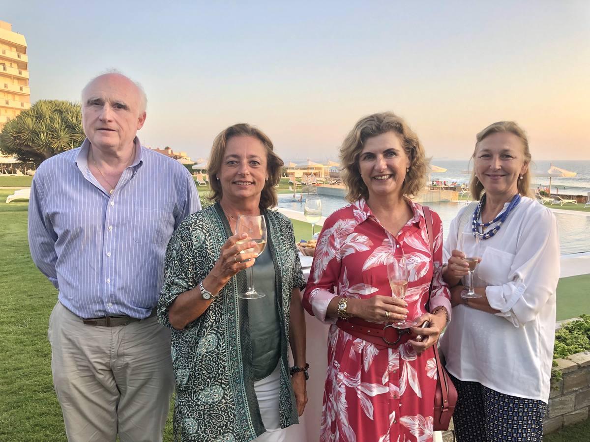 Fernando Mazzuchelli Urquijo, María Rivero Domecq, Almudena Domecq y María José Barón Rivero