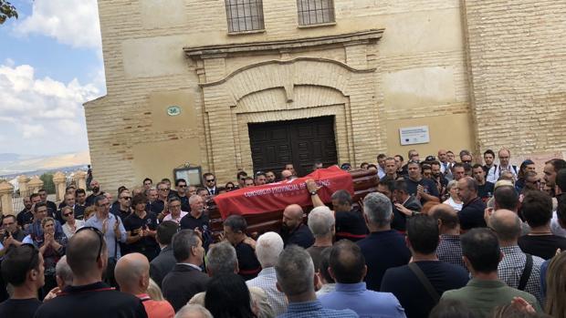 Salida del féretro de José Gil de la iglesia del Carmen de Antequera