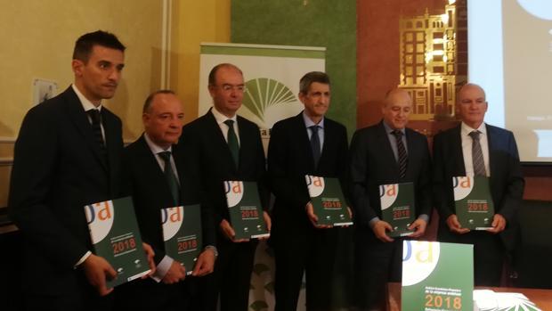 Foto de la presentación del informe