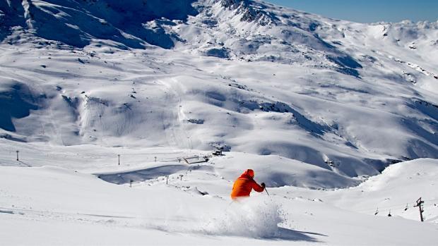 El teleférico conectaría Granada con la estación de esquí de Sierra Nevada.