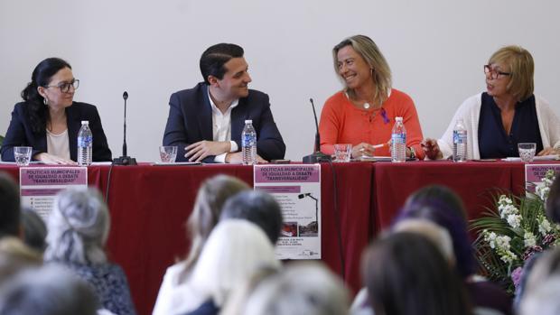 Bellido y Albás, durante uno de los debates de candidatos de la pasada campaña electoral