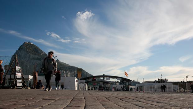 Imagen de la Aduana de La Línea con Gibraltar