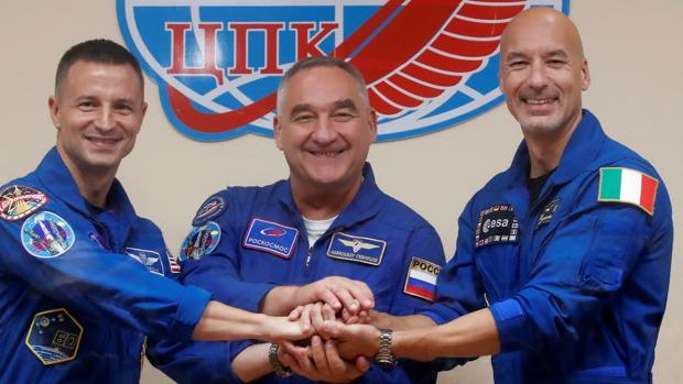 Los astronautas Andrew Morgan, Alexander Skvortsov y Luca Parmitano