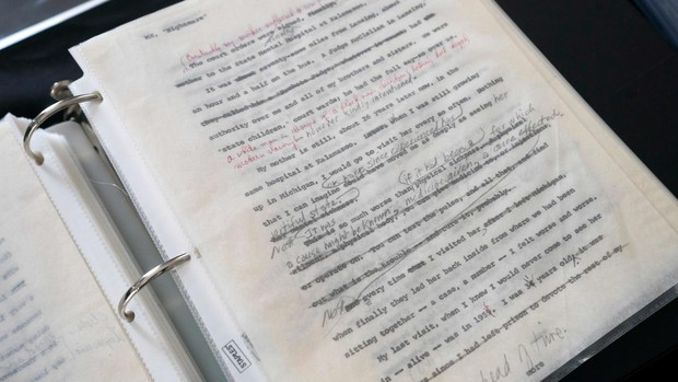 Una de las hojas pertenecientes al original mecanografiado de «La autobiografía de Malcolm X»