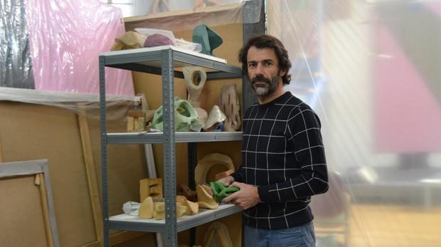 Eduardo Barco en su taller de la calle Julia Nebot, en Madrid