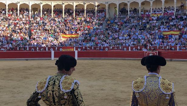 Los toreros locales Andrés Palacios y Rubén Pinar en la feria del año pasado