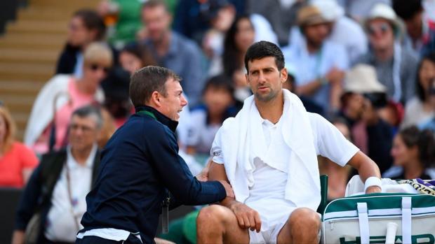 Novak Djokovic se retira por lesión durante su partido ante Berdych en la última edición de Wimbledon