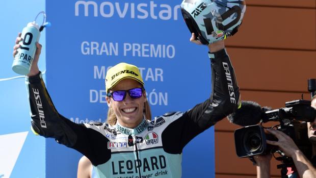 Joan Mir celebra su triunfo en el GP de Aragón