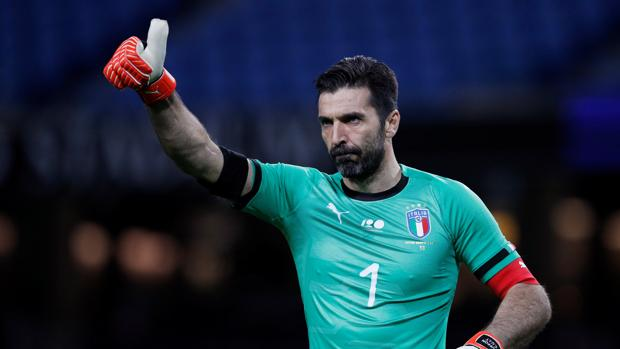 Buffon, en un partido reciente con Italia