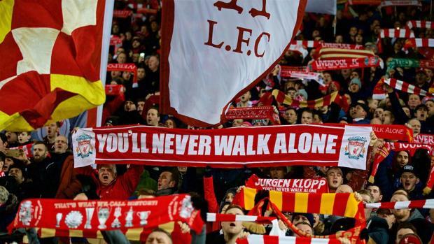 Los aficionados del Liverpool, en Anfield