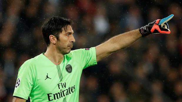 Buffon, durante un partido con el PSG