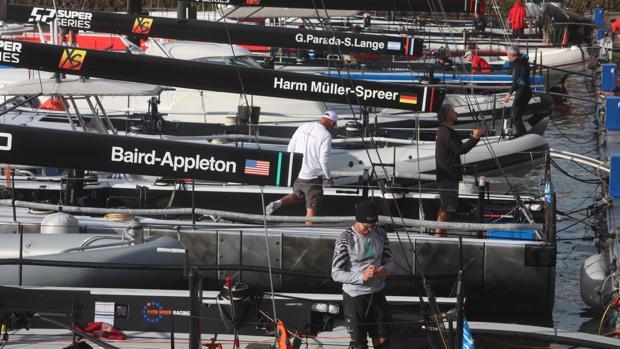 Los ocho barcos más potentes del mundo de la clase TP52 participan esta semana en la Super Series Royal Cup que se celebra en aguas de la Bahía de Cádiz