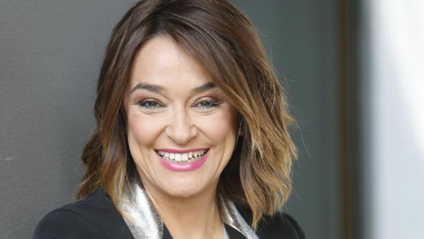 La presentadora sanluqueña Toñi Moreno es una de las nuevas embajadoras de las Carreras de Caballos de Sanlúcar.