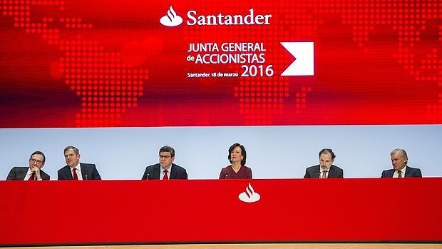 El Santander anunció hace unos días que quiere cerrar 450 oficinas en España