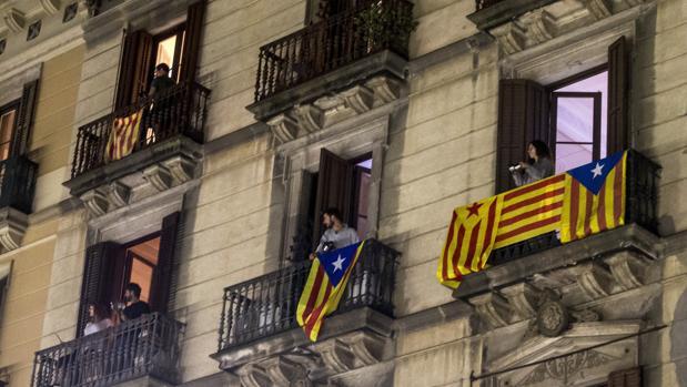 La crisis catalana comienza a lastrar la economía española
