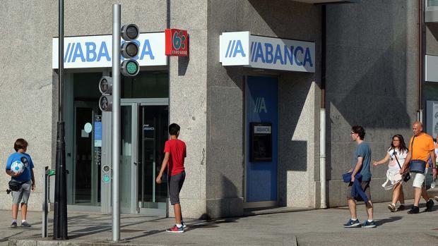 Abanca extenderá su red comercial con la compra de Deutsche Bank en Portugal