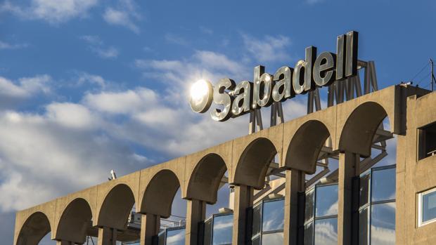Esta operación obligará al Sabadell a hacer provisiones netas por 92 millones de euros