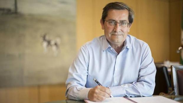 El presidente en funciones de la Diputación de Granada, el socialista José Entrena