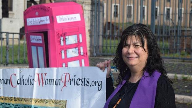 Christina Moreira, miembro de la Asociación de Mujeres Sacerdotes Católico Romanas