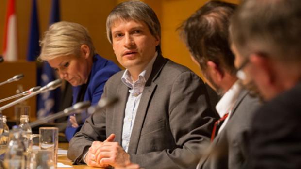 Sven Giegold en un debate organizado por KPMG