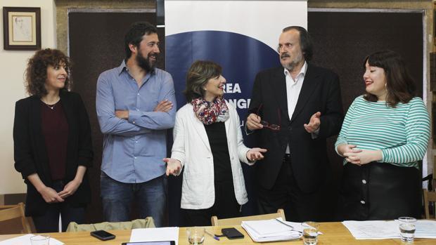 Los cinco diputados gallegos de En Marea, hoy en Santiago