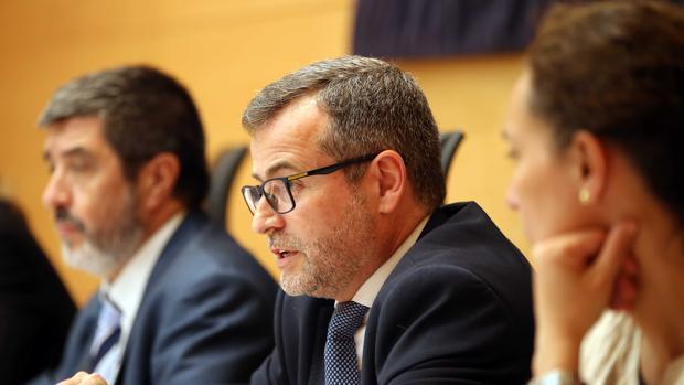 El exdirector general de Ceiss, José María de la Vega, compareció este pasado jueves en la comisión de investigación de las cajas ahorro en Castilla y León