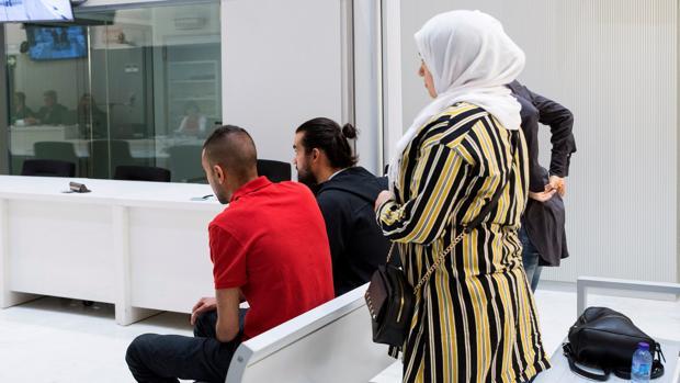 La Audiencia Nacional juzga a cuatro presuntos yihadistas -dos hombres y dos mujeres- detenidos en octubre de 2015