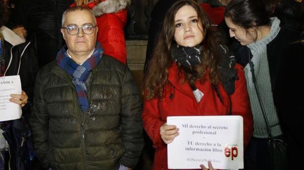 Concentración en apoyo a los periodistas de Europa Press y el Diario de Mallorca en Palma