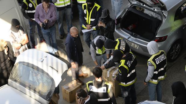 La Policía Nacional incautó el 26 de octubre de 2017 documentación que los Mossos iban a incinerar