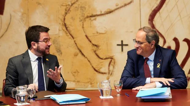 Quim Torra y su vicepresidente, Pere Aragonés, este lunes durante la reunión semanal del gobierno catalán