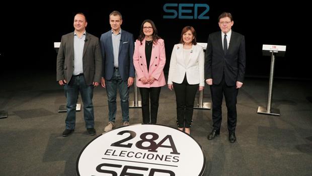 Imagen de los candidatos antes del debate organizado por Radio Valencia de la Cadena Ser