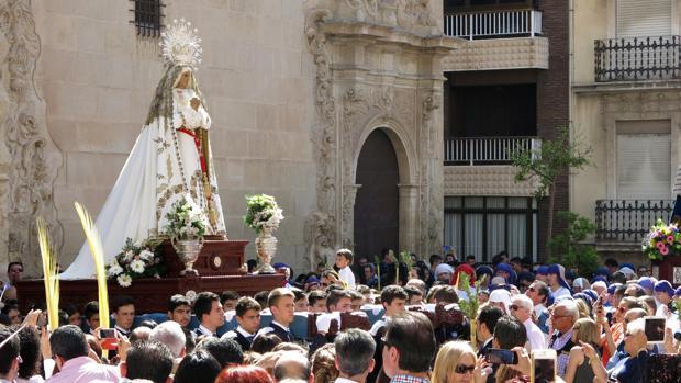 Procesión de la Hermandad de Sacramental de Jesús en Samaría, Santa Oración en el Huerto y Santísima Virgen de la Paz en Alicante