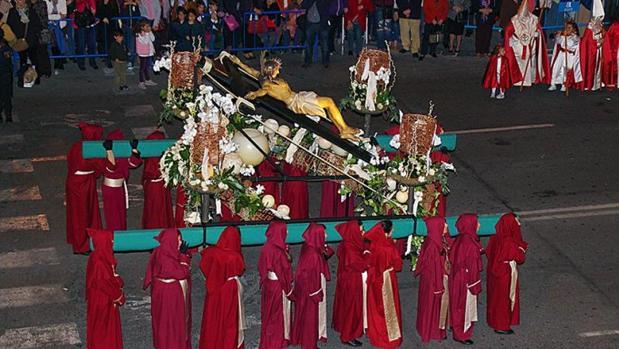 Una de las procesiones del Jueves Santo en Alicante