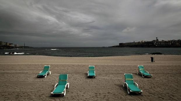 La playa de Riazor, en una foto de archivo