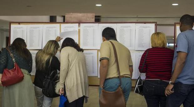 Del total de 64.804 solicitudes presentadas, 29.328 son para optar a alguna de las 911 plazas convocadas para funcionarios y las 35.476 solicitudes restantes están dirigidas a personal laboral