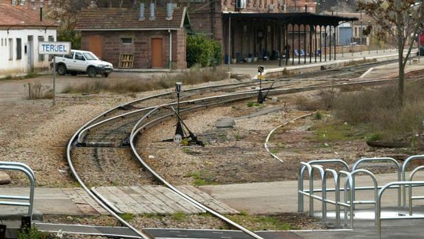 Línea férrea Zaragoza-Valencia, a su paso por Teruel capital
