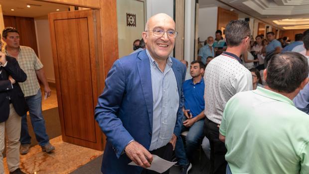 El presidente del PP de Valladolid, Jesús Julio Carnero