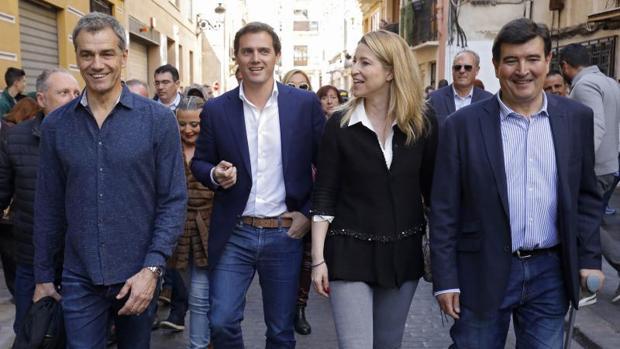 Toni Cantó con Albert Ribera y otros dirigentes de Cs en Valencia