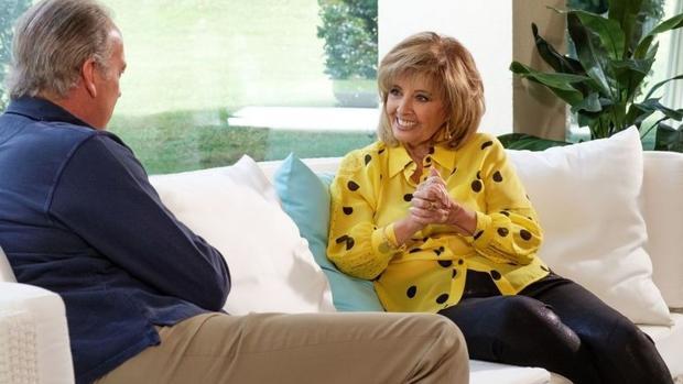 Un momento de le entrevista de Bertín Osborne a María Teresa Campos