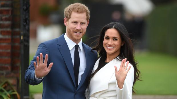 El Príncipe Harry, junto a su prometida Meghan Markle