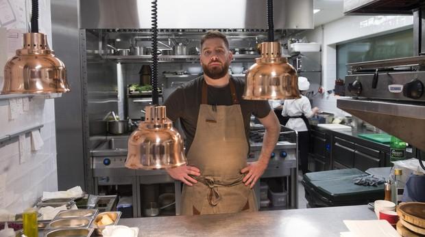 Byron Hogan, en la cocina del Gran Hotel Inglés donde prepara sus platos para El Lobo de Wall Street
