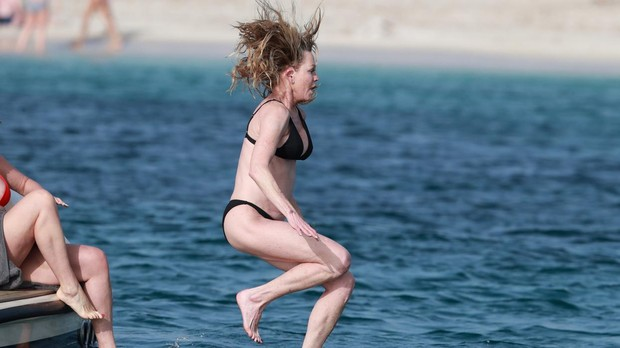 Melanie Griffith lanzándose al mar en Formentera