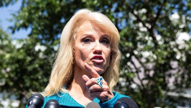 La consejera de Trump, Kelyanne Conway, defiende a Trump por el tuit a las cuatro mujeres congresistas durante una rueda de prensa este martes