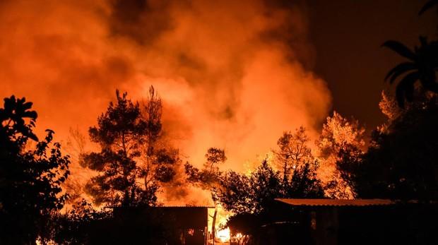 El incendio en la isal de Eubea está descontrolado