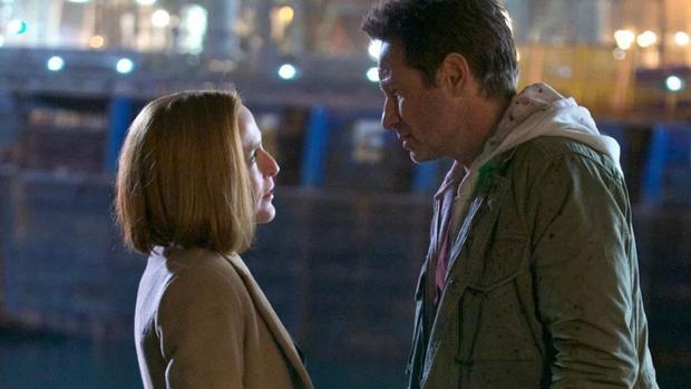 Gillian Anderson y David Duchovny protagonizan «Expediente X»