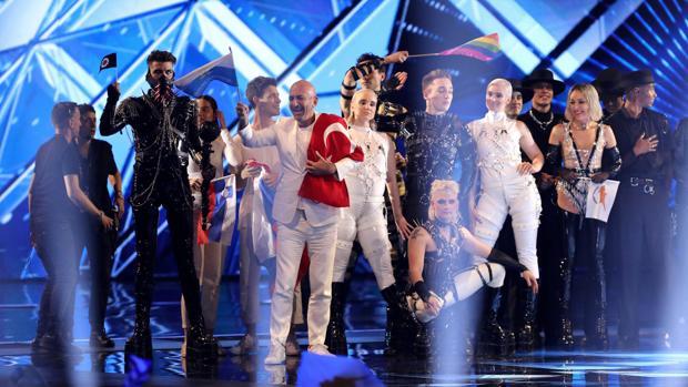 Los diez finalistas suben al escenario este martes, en la primera semifinal de Eurovisión, en Tel Aviv (Israel)