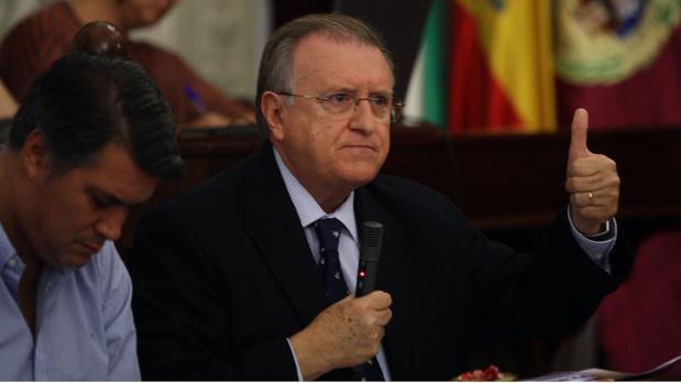 El edil del PP, José Blas Fernández, durante un pleno.
